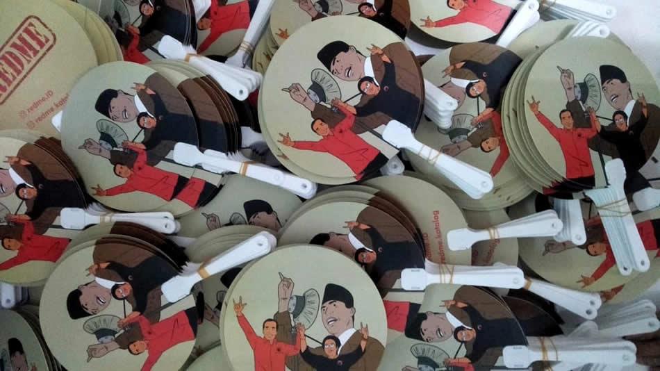 Kipas Plastik Bapak Jokowi dan Ibu Megawati